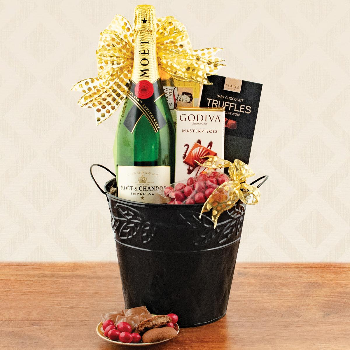 Moet and Chandon Champagne Gift Basket