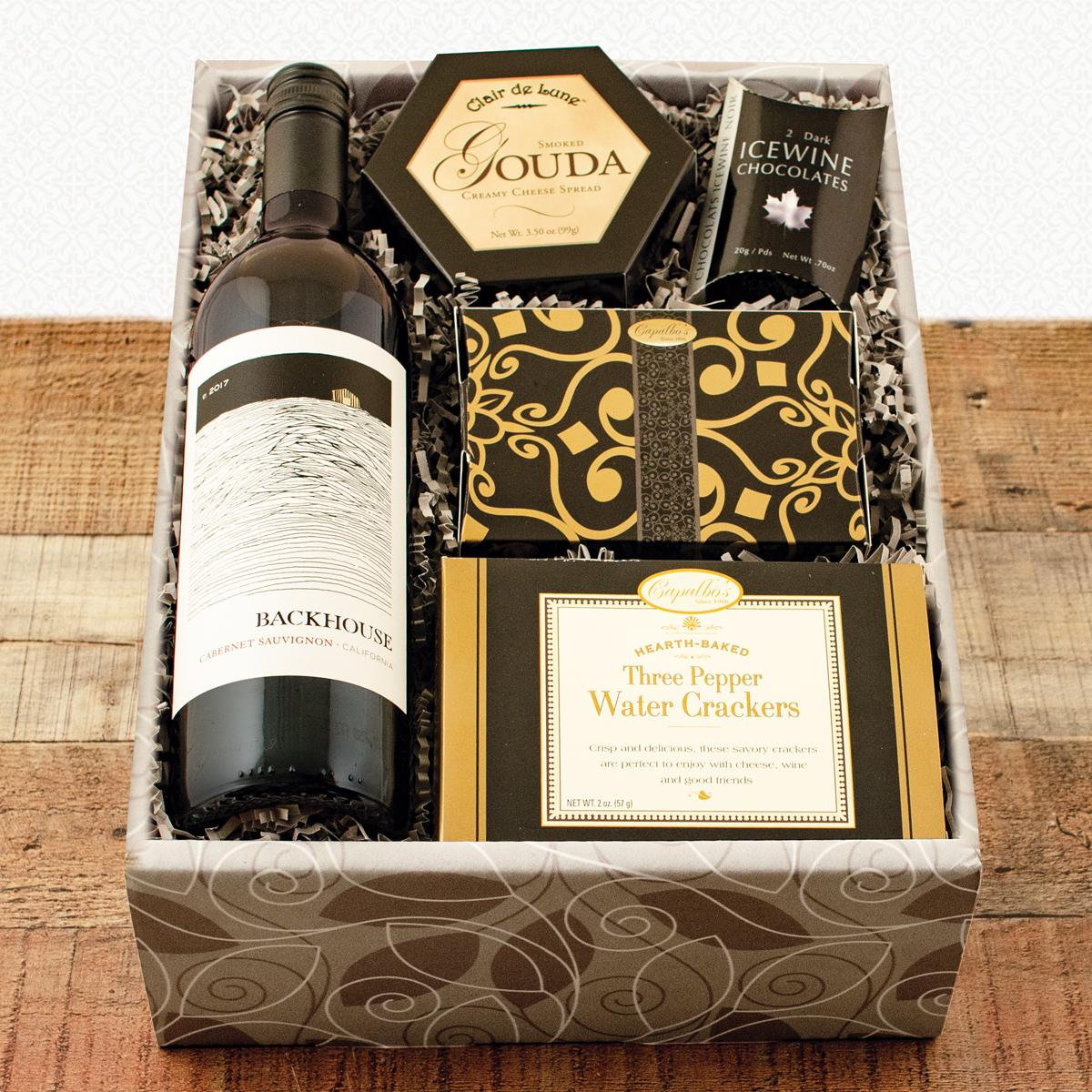 Red Wine and Snax Gift Box